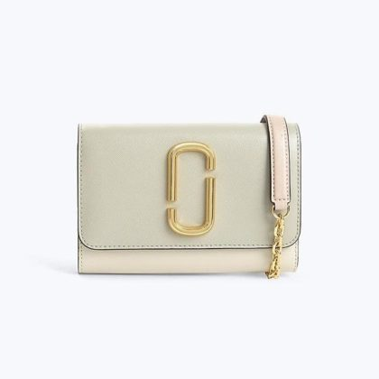 Marc Jacobs Wallet on chain a1c4c52429